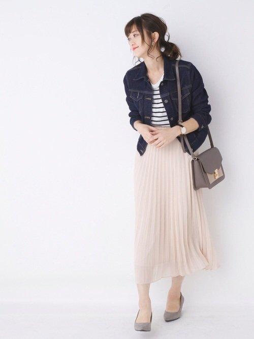 40代におすすめな春のレディースファッション:ボーダーT×プリーツスカート