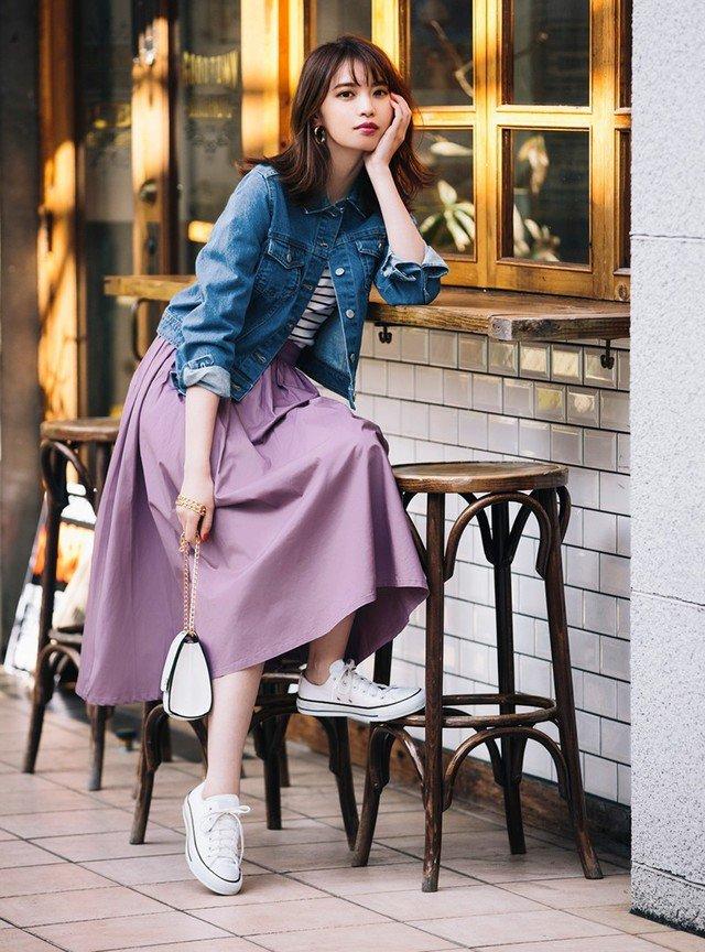 ピンクのフレアスカート デニムジャケット