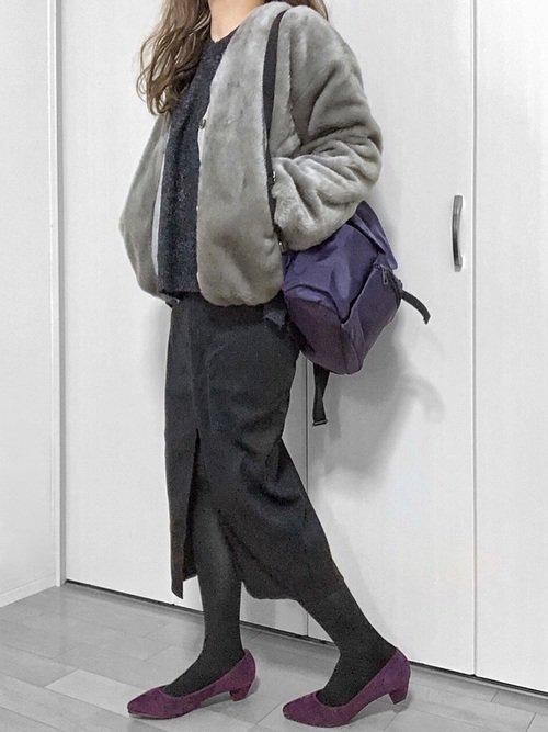 タイトスカートとパープルパンプスの冬コーデ