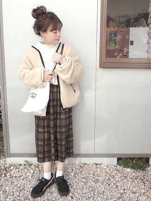 冬の遊園地デートに適した服装