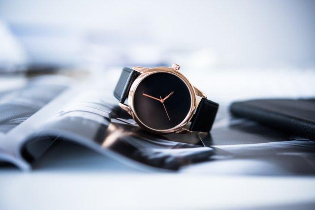 彼氏へのクリスマスプレゼントにおすすめな1万円以内のアイテムは腕時計