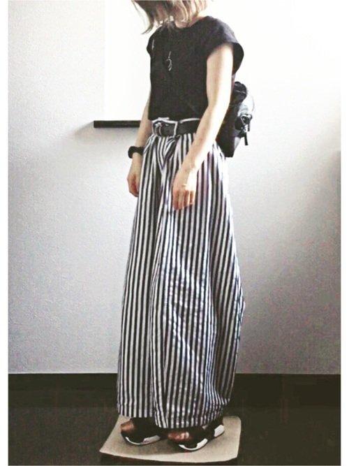 ストライプパンツを使ったコーデ【3】黒×白黒