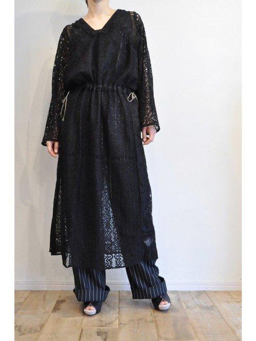 ストライプパンツを使ったコーデ【5】黒×ネイビー