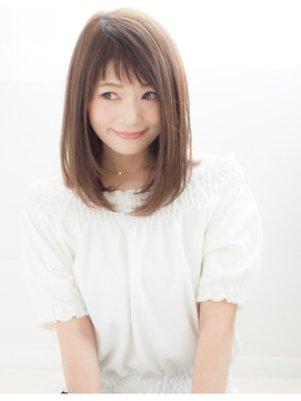 おすすめストレートヘアの髪型カタログ【4】ミディアム