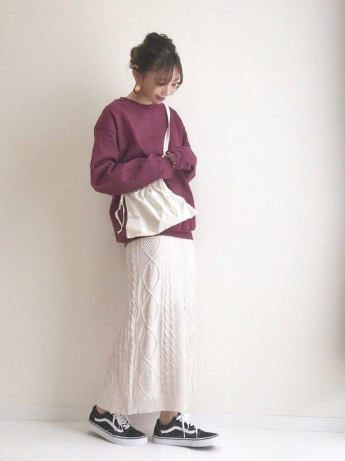 定番ニットスカートを使ったコーデに飽きたらケーブルニットスカートを使おう