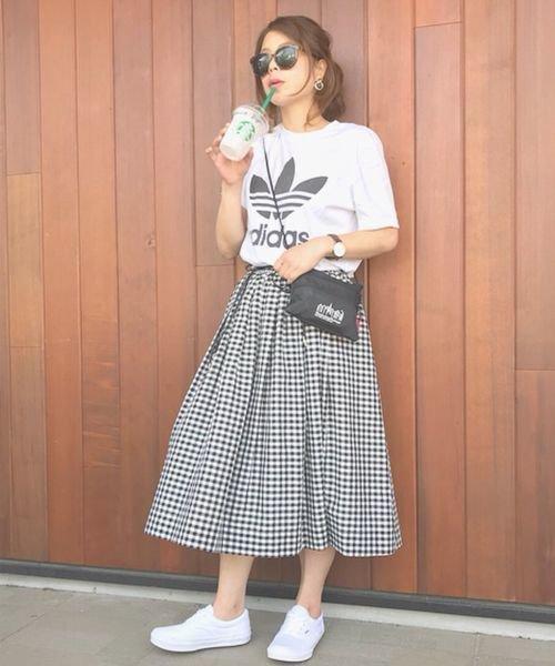 Tシャツ×ギンガムチェックスカート