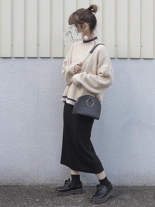 気温18度の日の服装にはケーブル編みニットを使った秋コーデがおすすめ