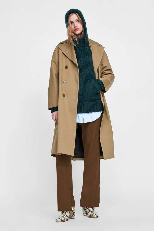 ベージュのジャケット ニットセーター