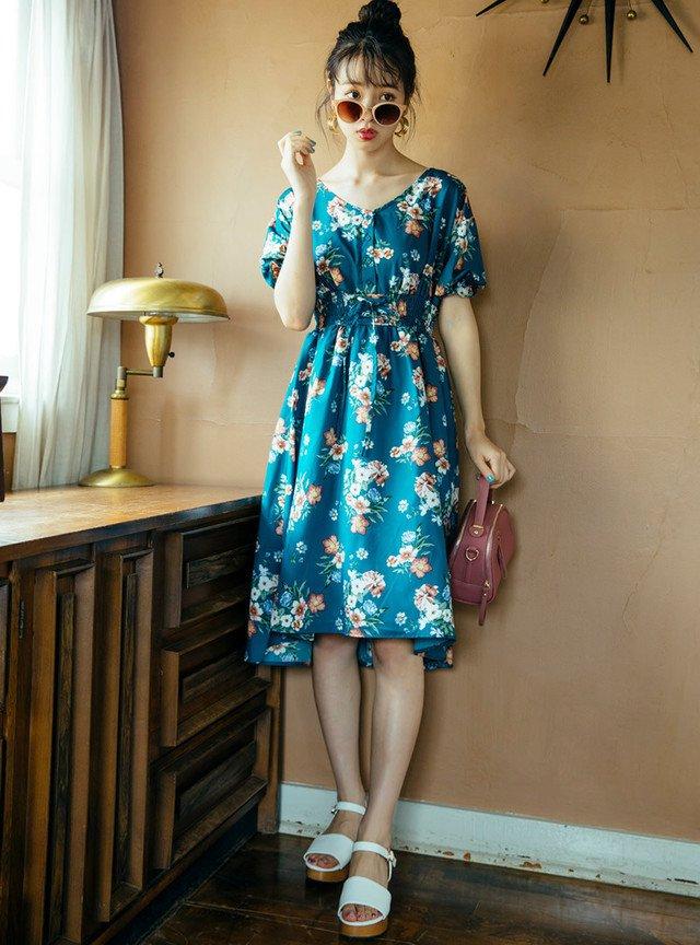 GRLの花柄ロングテールコルセットワンピースをモードファッションに使おう