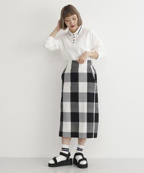 ポロシャツ×チェック柄スカートコーデ
