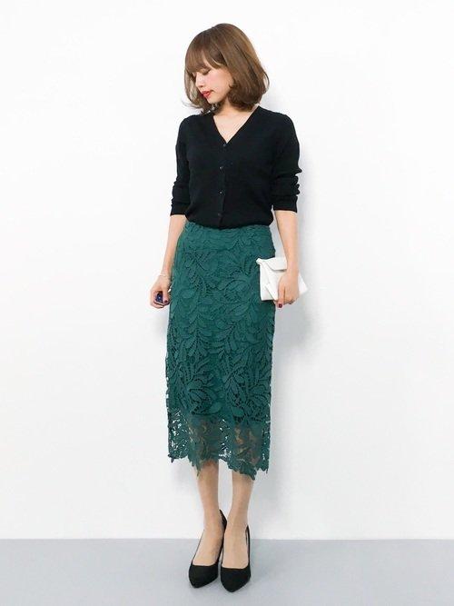 カーディガン×タイトスカート