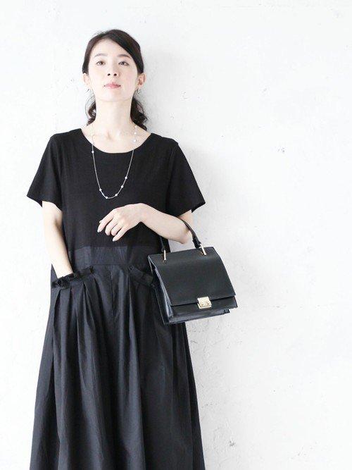 納骨に適した黒の服装