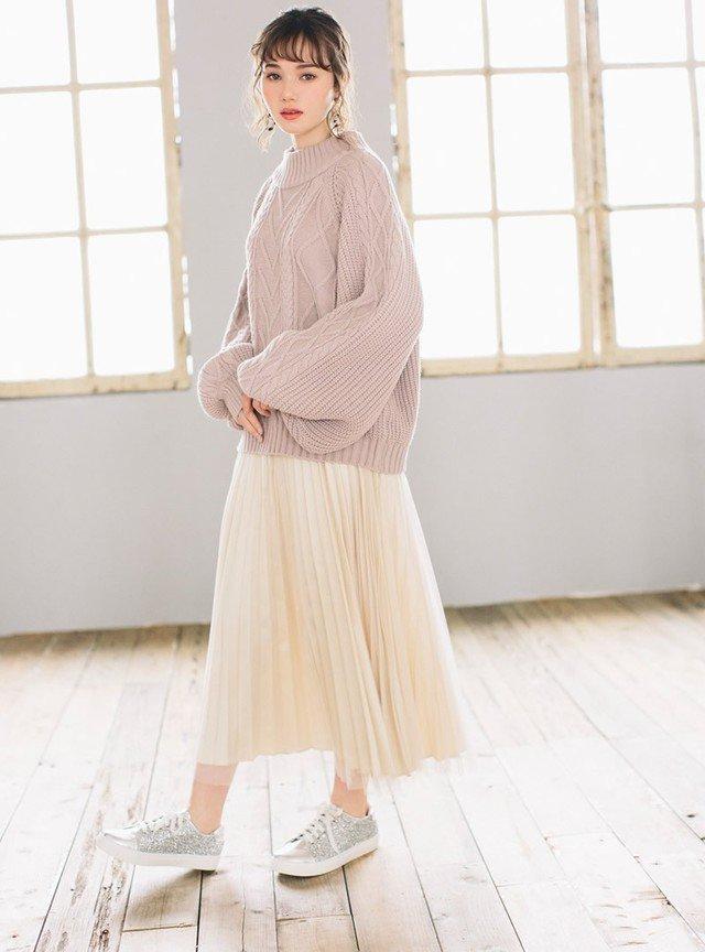 ピンクニット ベージュのチュールスカート