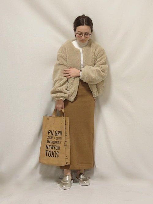 ベージュロングスカート ベージュのボアジャケット