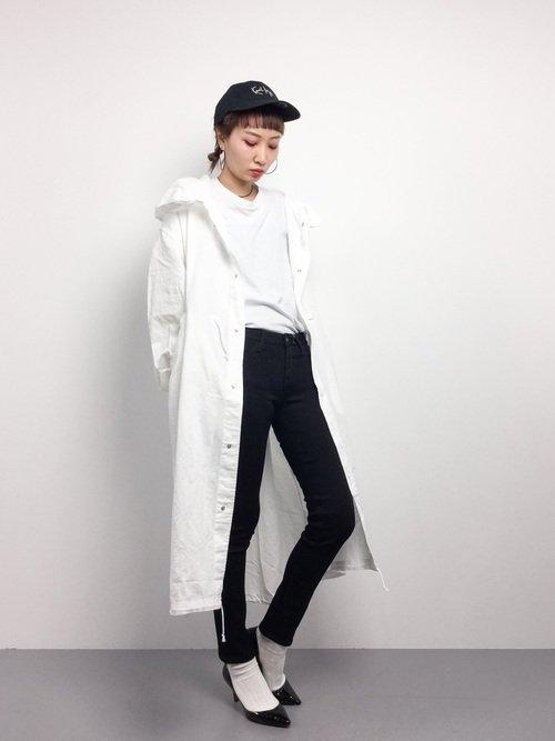 白いコートの春コーデ