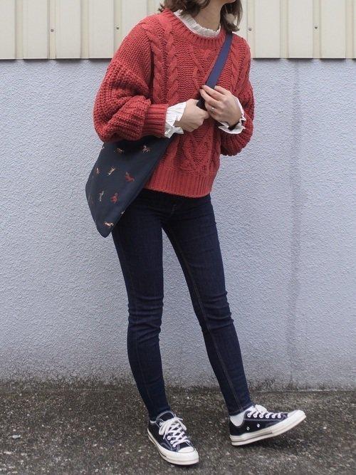赤のニットセーター レギンス