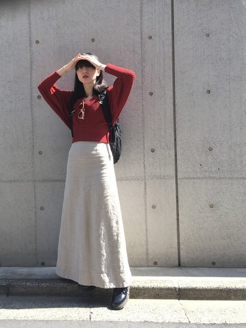 ボルドートップス 白のロングスカート