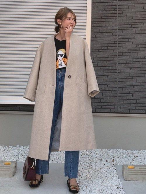 Tシャツ×コートの大人カジュアル
