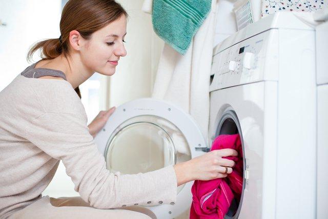 浴衣を洗濯するときはドライコースか手洗いコースに洗濯機を設定する