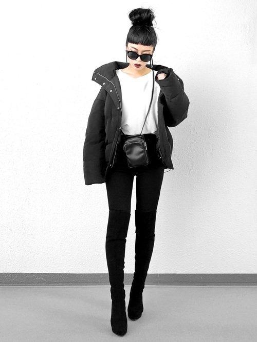 12月の東京には防寒性抜群のダウンジャケットを使った服装がおすすめ