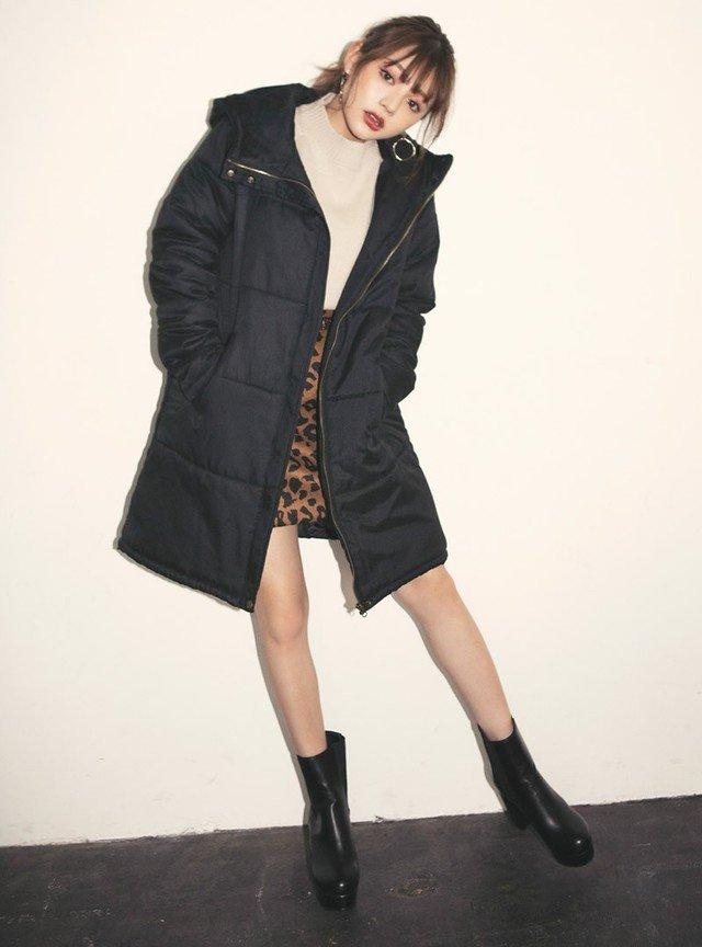 中綿コート×レオパード柄スカートコーデ