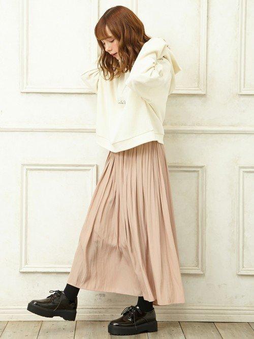 ペールピンクのギャザースカート