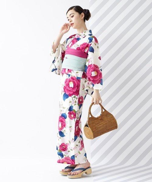 ピンクの椿柄浴衣コーデ