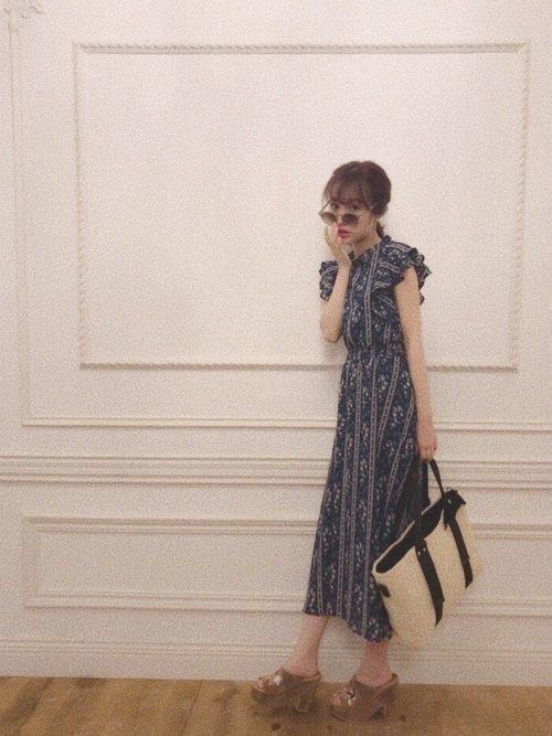 夏の大阪には総柄ワンピースで作る色気満点の服装がおすすめ