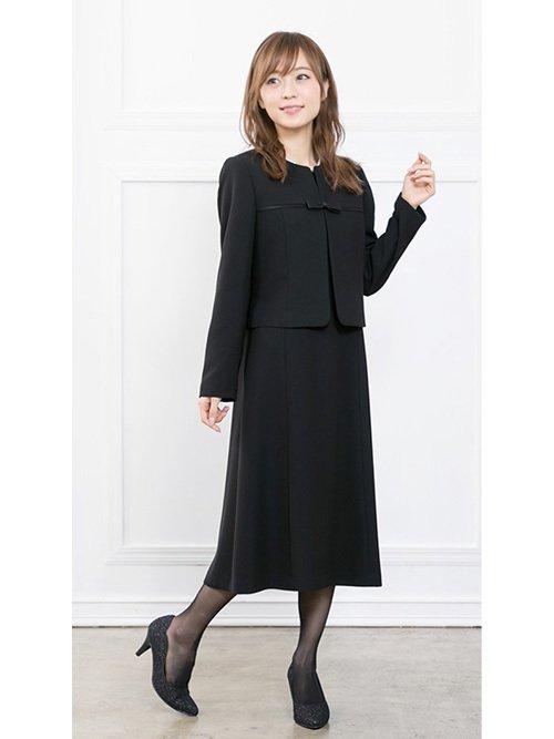 ノーカラージャケット×半袖ワンピースのブラックフォーマル