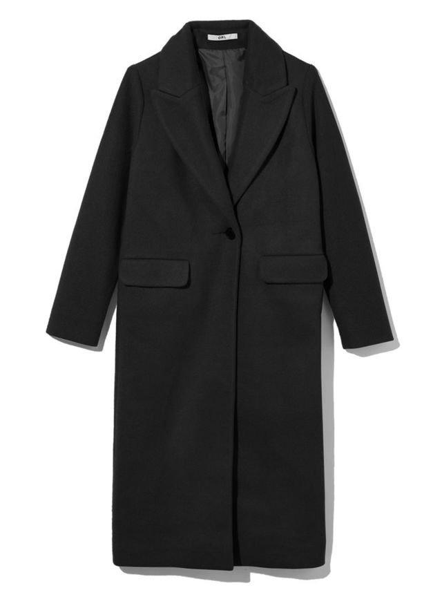 黒のチェスターコート