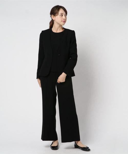パンツ×ジャケットのブラックフォーマルコーデ